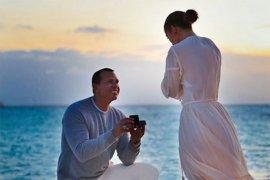 Jennifer Lopez patah hati karena pernikahannya tertunda gara-gara COVID-19