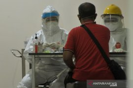 Jurnalis Palembang ikuti Rapid Test di Rumah Sehat COVID-19 Page 3 Small