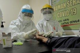 Jurnalis Palembang ikuti Rapid Test di Rumah Sehat COVID-19 Page 4 Small