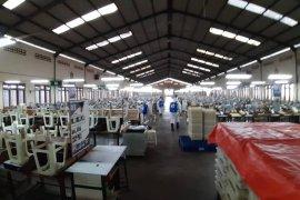 895 karyawan pabrik rokok mitra Sampoerna rapit test negatif