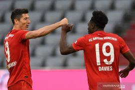 Dwigol Lewandowski hiasi kemenangan besar Bayern atas Duesseldorf