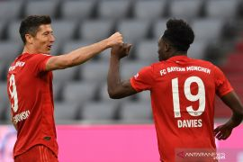 Dwigol Lewandowski hiasi kemenangan besar Bayern