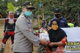 Brigjen Aneka pimpin pembagian sembako ke pelosok desa