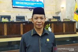 "Legislator : penerapan new normal sama ""bunuh diri"""