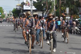 Komunitas Sepeda Tua di Madiun