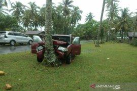 Mobil rombongan dari Siantar laka tunggal di Tapteng, 2 meninggal