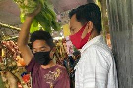 Banyak pedagang pasar di Rungkut Surabaya abaikan protokol kesehatan