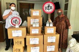 Fatma Foundation salurkan 1.000 hazmat untuk tenaga medis di Jatim