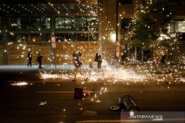 40 kota di AS termasuk Washington berlakukan jam malam di tengah aksi protes