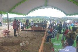Peletakan batu pertama pembangunan Gereja GPIB Desa Bangun Rejo