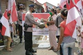Peringati Hari Lahir Pancasila, Brimob Polda Sumut salurkan bantuan untuk masyarakat
