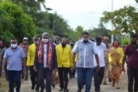 Bupati Maluku Tenggara upayakan pembangunan jalan di Kei Kecil tuntas