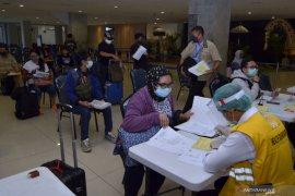 Di Bandara Ngurah Rai, Menparekraf apresiasi protokol kesehatan
