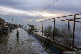 Peneliti LAPAN: Banjir rob di utara Jawa bukan akibat gerhana bulan
