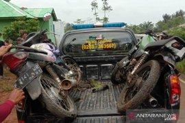 Seorang remaja tewas di tempat setelah sepeda motor bertabrakan