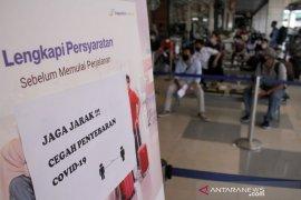 Protokol kesehatan di Bandara Sultan Hasanuddin diperketat Page 2 Small