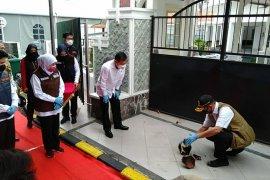Kepala BNPB resmikan Rumah Sakit Lapangan COVID-19 di Surabaya