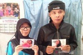 Keluarga TKI asal Cianjur berharap kepastian penyebab kematian Evi