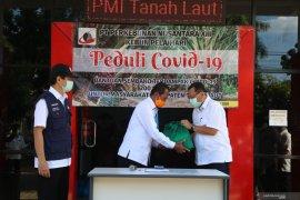 PTPN bantu 200 paket sembako kepada warga terdampak COVID-19