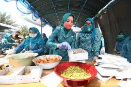 Program Gerakan Nasi Bungkus Jabar tetap berjalan meski PSBB berakhir
