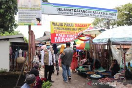 Disdag Kalsel laksanakan operasi pasar gula pasir di pasar tradisional