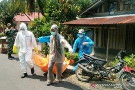 Seorang warga ditemukan dengan kondisi membusuk di rumahnya
