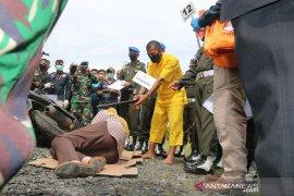 20 adegan pembunuhan istri oknum TNI diperagakan ketiga tersangka termasuk suami korban