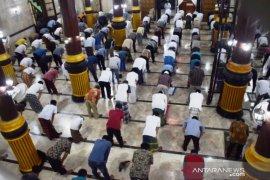 Pemprov Jatim bolehkan kegiatan masjid, asalkan penuhi protokol kesehatan
