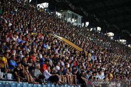 Stadion penuh saat Liga Vietnam dimulai lagi