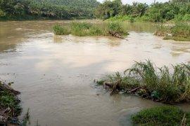 Karyawan kebun temukan mayat di aliran sungai Bah Bolon