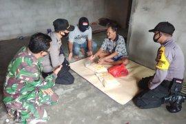 Polisi Bangka Barat salurkan bantuan sembako