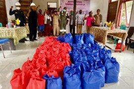 Bantuan JPS SKK Migas - MontD'Or Oil Salawati diterima Masyarakat di Pulau Salawati, Papua Barat