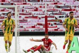 Benfica bermain imbang