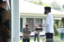 Presiden Jokowi Shalat Jumat berjamaah di Masjid Istana