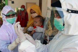 Pemkab Kapuas Hulu lakukan jemput bola untuk imunisasi