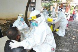 Lacak penyebaran COVID-19, Pemkot Bogor lakukan tes swab 100 warga Cilendek Barat