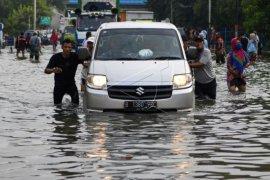 Banjir ROB Landa Jakarta Page 1 Small