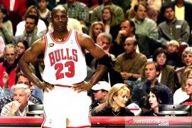 Kaos basket Michael Jordan terjual Rp19,5 miliar