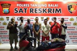 Polres Tanjung Balai ringkus dua pelaku pencurian sepeda motor