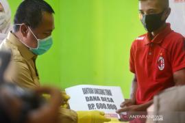 Sekda Gorontalo Utara pantau penyaluran BLT-Dana Desa di Bulango Raya
