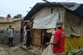 HMI bantu bedah rumah tak layak huni warga miskin di Takengon
