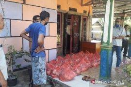 PT Timah salurkan bantuan sembako di Mentok