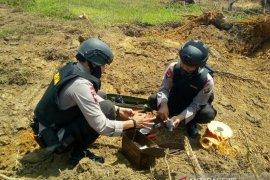 Brimob Polda Sumut temukan bom sisa Perang Dunia II