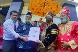 Ade Armando dilaporkan ke polisi dugaan pencemaran nama baik masyarakat Minangkabau