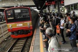 MPR RI tekankan perlunya pengaturan pola kerja selama PSBB transisi Jakarta