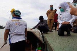 Seorang 'manusia perahu' 30 tahun di Sungai Musi dirujuk ke panti jompo