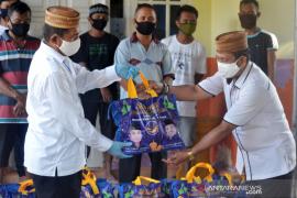 F-Nasdem Gorontalo Utara beri bantuan 21 KK terdampak COVID-19