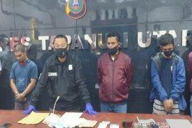 Atas laporan warga, dua buronan BNN kasus 55 Kg sabu diringkus di Taput