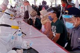 "Ratusan karyawan Plaza Marina ikuti ""rapid test"" massal"