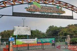 Ragunan mulai dibuka kembali khusus untuk warga ber KTP DKI Jakarta Sabtu ini